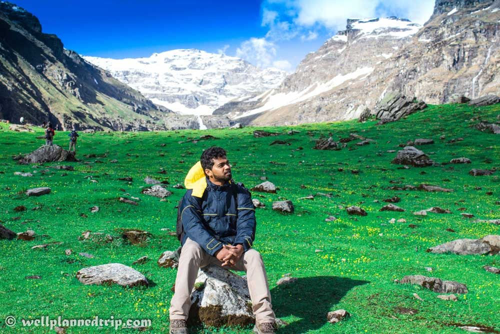Reached Dhanderas Thatch by 5 PM. One of my favorite Camp site and the view was just out of the world and mind blowing. We were treated with full green grass land with small yellow flowers, surrounded by mountains and water falls :RUPIN PASS TREK