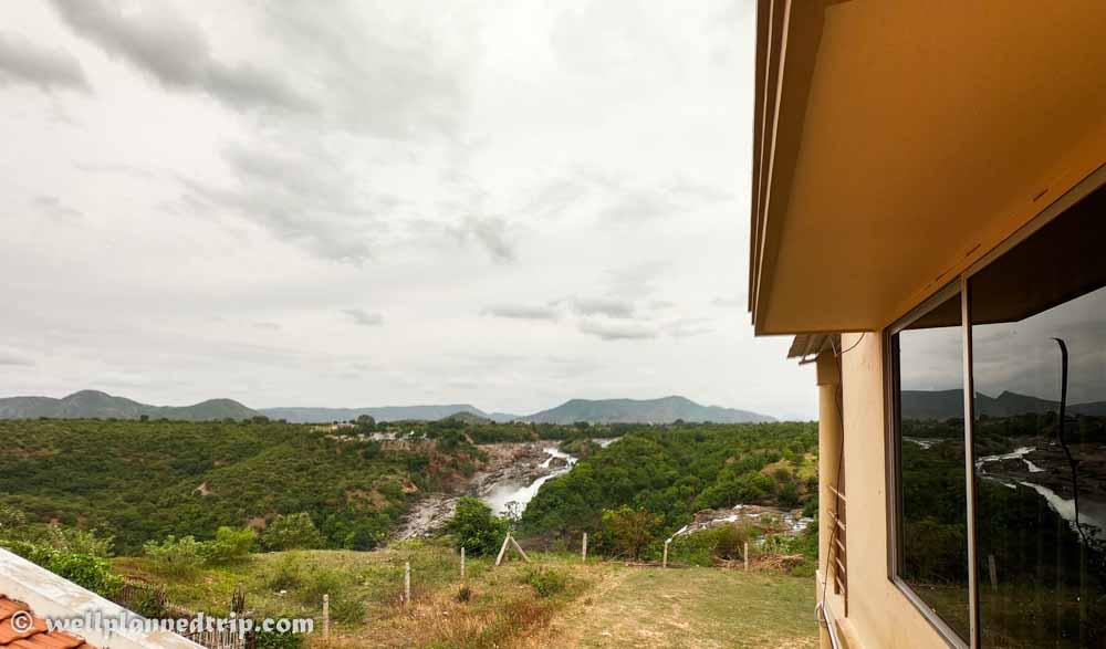 Balcony view, Hotel Lakshadeep Gaganachukki, Shivanasamudra