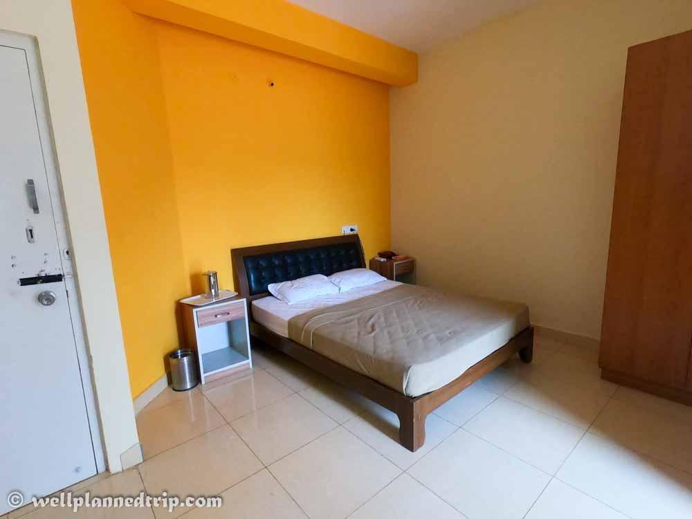 AC room, Hotel Lakshadeep Gaganachukki, Shivanasamudra